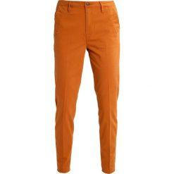 GStar BRONSON MID SKINNY CHINO  Spodnie materiałowe anka brown. Brązowe rurki damskie G-Star, z bawełny. W wyprzedaży za 229,50 zł.