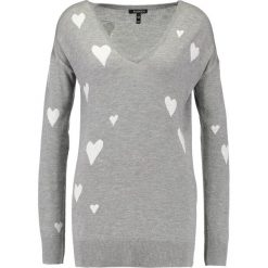 Swetry klasyczne damskie: Baukjen AGNES HEART Sweter grey marl and off white