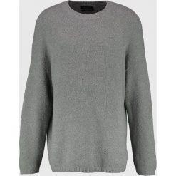 AllSaints ARINN CREW Sweter grey marl. Szare kardigany męskie AllSaints, l, z bawełny. W wyprzedaży za 356,95 zł.