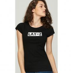 T-shirt z napisem - Czarny. Czarne t-shirty damskie marki House, m, z napisami. Za 9,99 zł.