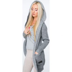 Sweter z warkoczowym wiązaniem ciemmnoszary MISC004. Szare swetry rozpinane damskie Fasardi. Za 129,00 zł.