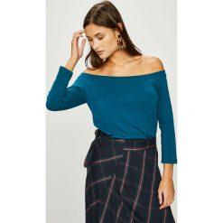 Answear - Bluzka. Szare bluzki z odkrytymi ramionami marki ANSWEAR, uniwersalny, z bawełny, casualowe, z dekoltem w łódkę. W wyprzedaży za 49,90 zł.