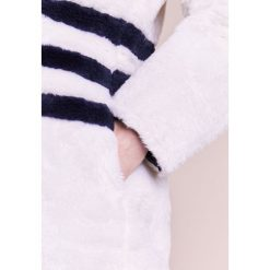 J.CREW YUNA COAT STRIPED TEDDY Krótki płaszcz ivory/navy. Białe płaszcze damskie pastelowe J.CREW, xs, z materiału. W wyprzedaży za 386,70 zł.