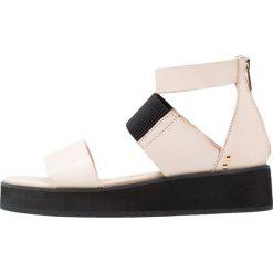 Rzymianki damskie: Shoe The Bear YVETTE Sandały na platformie nude