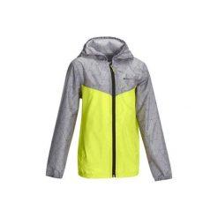 Kurtka Hike 150 dla chłopców. Zielone kurtki chłopięce przeciwdeszczowe QUECHUA. Za 39,99 zł.