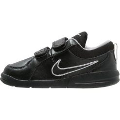 Nike Performance PICO 4 Obuwie treningowe black/metallic silver. Czarne buty sportowe chłopięce Nike Performance, z gumy. Za 129,00 zł.