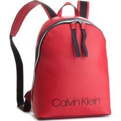 Plecak CALVIN KLEIN - Collegic Backpack K60K604455  626. Czerwone plecaki damskie Calvin Klein, ze skóry ekologicznej. Za 649,00 zł.
