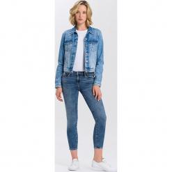 """Dżinsy """"Alyss"""" - Super Skinny fit - w kolorze niebieskim. Niebieskie rurki damskie marki Cross Jeans, z aplikacjami. W wyprzedaży za 136,95 zł."""