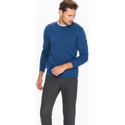 SWETER MĘSKI Z OKRĄGŁYM DEKOLTEM. Szare swetry klasyczne męskie Top Secret, na jesień, m, z golfem. Za 39,99 zł.