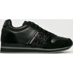 Versace Jeans - Buty. Czarne buty sportowe damskie marki DOMYOS, z bawełny. W wyprzedaży za 479,90 zł.
