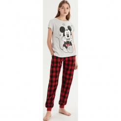 Piżama Mickey Mouse - Jasny szar. Szare piżamy damskie marki Sinsay, l, z motywem z bajki. Za 69,99 zł.