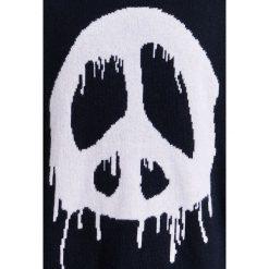 D.GNAK OVERSIZED LOGO Sweter black. Czarne swetry klasyczne męskie D.GNAK, m, z materiału. W wyprzedaży za 731,40 zł.