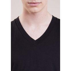 James Perse VNECK Tshirt basic black. Czarne koszulki polo James Perse, m, z bawełny. Za 379,00 zł.