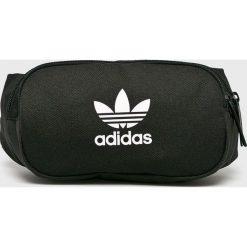Adidas Originals - Nerka. Czarne walizki marki adidas Originals, w paski, z materiału, małe. Za 99,90 zł.