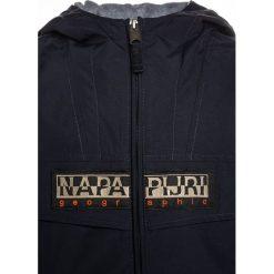 Napapijri RAINFOREST OPEN 1 Kurtka przeciwdeszczowa blu marine. Niebieskie kurtki chłopięce przeciwdeszczowe marki Napapijri, z bawełny. W wyprzedaży za 503,20 zł.
