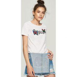T-shirty damskie: T-shirt z nadrukiem tropicool – Biały