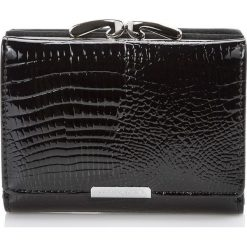 PORTFEL DAMSKI JENNIFER JONES LAKIEROWANY. Czarne portfele damskie marki Mohito, z lakierowanej skóry. Za 79,90 zł.