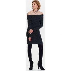Sukienki: SUKIENKA SWETROWA DAMSKA Z ODKRYTYMI RAMIONAMI