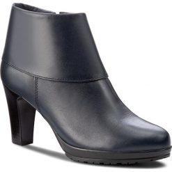 Botki TAMARIS - 1-25460-29 Navy 805. Niebieskie buty zimowe damskie Tamaris, z polaru. W wyprzedaży za 209,00 zł.