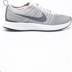 Nike Sportswear - Buty Dulaton Racer. Szare buty sportowe damskie marki Nike Sportswear, z materiału. W wyprzedaży za 239,90 zł.