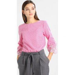 Bluzki asymetryczne: Cortefiel VICHY PRINT WITH EMBROIDED BELL SHAPE CUFFS Bluzka pink