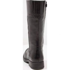 Geox SOFIA Kozaki black. Niebieskie buty zimowe damskie marki Roxy, z tworzywa sztucznego, na wysokim obcasie. W wyprzedaży za 344,25 zł.
