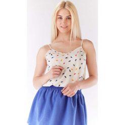 Bluzka Lekka Wzorzysta na Cienkich Ramiączkach - Kolorowe Parasolki. Białe bluzki wizytowe Molly.pl, l, w kolorowe wzory, z jeansu, biznesowe, dekolt w kształcie v, na ramiączkach. Za 96,90 zł.