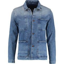 Denham BRULER Kurtka jeansowa indigo. Niebieskie kurtki męskie bomber Denham, l, z bawełny. W wyprzedaży za 587,30 zł.