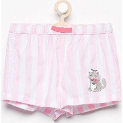 Bawełniane szorty - Różowy. Czerwone spodenki dziewczęce marki Reserved, z bawełny. W wyprzedaży za 19,99 zł.