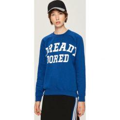 Bluza z napisem - Niebieski. Niebieskie bluzy damskie marki Sinsay, l, z napisami. Za 49,99 zł.