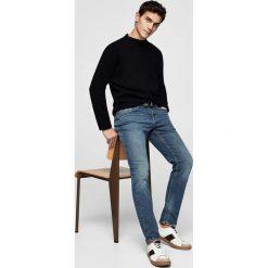 Mango Man - Jeansy Tim. Niebieskie jeansy męskie relaxed fit marki Mango Man, z bawełny. W wyprzedaży za 99,90 zł.