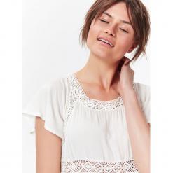 ROMANTYCZNA SUKIENKA LETNIA Z KORONKĄ W STYLU JESSICA MERCEDES. Szare sukienki balowe Top Secret, na lato, w koronkowe wzory, z koronki. Za 59,99 zł.