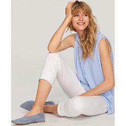 Bluzy damskie: Bluza bez rękawów - Biały