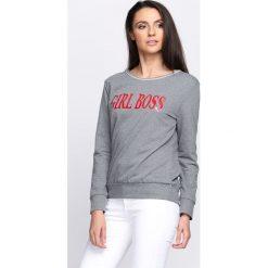 Ciemnoszara Bluza Boss Lady. Fioletowe bluzy damskie marki NA-KD, z napisami, z długim rękawem, długie, z kapturem. Za 69,99 zł.