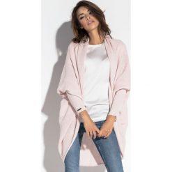 Luźny sweter oversize fb555. Niebieskie kardigany damskie marki SaF, na co dzień, xl, z żakardem, z asymetrycznym kołnierzem, dopasowane. Za 129,00 zł.