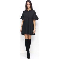 Sukienki: Czarna Sukienka Trapezowa z Falbankami na Rękawach