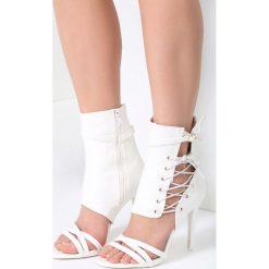 Białe Sandały Patient Love. Białe sandały damskie vices, na wysokim obcasie. Za 109,99 zł.