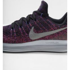 Buty do biegania damskie: Nike Performance LUNAREPIC LOW FLYKNIT 2 Obuwie do biegania treningowe black/metallic silver/hyper punch/persian violet/night purple/pure platinum