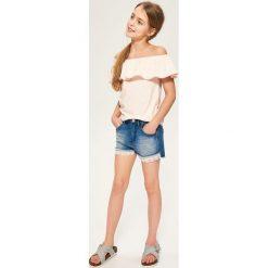 Jeansowe szorty z koronką - Niebieski. Niebieskie szorty damskie Reserved, w koronkowe wzory, z jeansu. Za 59,99 zł.