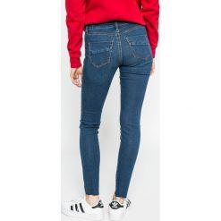Vero Moda - Jeansy. Niebieskie jeansy damskie marki Vero Moda, z bawełny. W wyprzedaży za 89,90 zł.