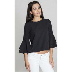 Czarna Krótka Bluzka z Rozkloszowanymi Rękawami. Czarne bluzki z odkrytymi ramionami Molly.pl, l, w jednolite wzory, z jeansu, biznesowe, z dekoltem na plecach, z krótkim rękawem. Za 125,90 zł.