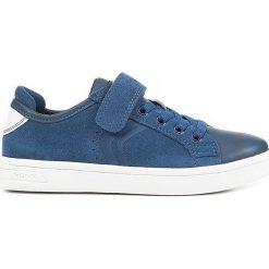 """Sneakersy """"DJRock"""" w kolorze niebieskim. Niebieskie trampki chłopięce marki geox kids, z gumy. W wyprzedaży za 129,95 zł."""