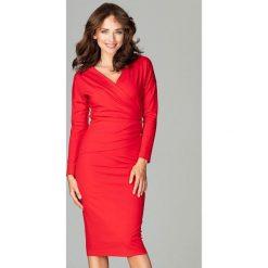 Sukienka z marszczeniem k477. Czerwone długie sukienki Global, do pracy, s, biznesowe, z dekoltem w serek, z długim rękawem. Za 179,00 zł.
