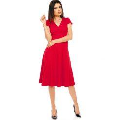 Czerwona Elegancka Rozkloszowana Sukienka z Mini Rękawkiem. Czerwone sukienki balowe Molly.pl, l, midi, oversize. W wyprzedaży za 120,81 zł.