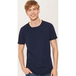 T-shirt z kieszonką - Granatowy. Niebieskie t-shirty męskie House, l. Za 39,99 zł.
