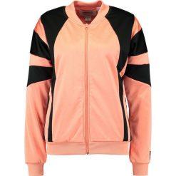 Adidas Originals TRACK  Kurtka sportowa chalk coral. Szare kurtki sportowe damskie marki adidas Originals, na co dzień, z nadrukiem, z bawełny, casualowe, z okrągłym kołnierzem, proste. Za 349,00 zł.