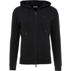 Emporio Armani ZIPPED HOODIE  Bluza rozpinana nero. Czarne bluzy męskie rozpinane marki Emporio Armani, m, z bawełny. W wyprzedaży za 401,40 zł.