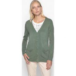 Sweter rozpinany, z dekoltem w serek, z cienkiej, miękkiej dzianiny. Brązowe swetry rozpinane damskie Anne weyburn, z dzianiny. Za 132,26 zł.