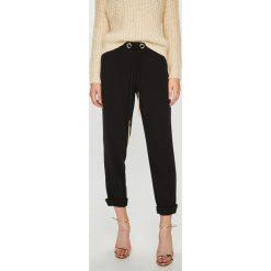 Guess Jeans - Spodnie Sofia. Niebieskie jeansy damskie z wysokim stanem marki Guess Jeans. Za 399,90 zł.