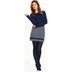 Swetry klasyczne damskie: KRÓTKI SWETER Z GUZIKAMI NA RĘKAWACH